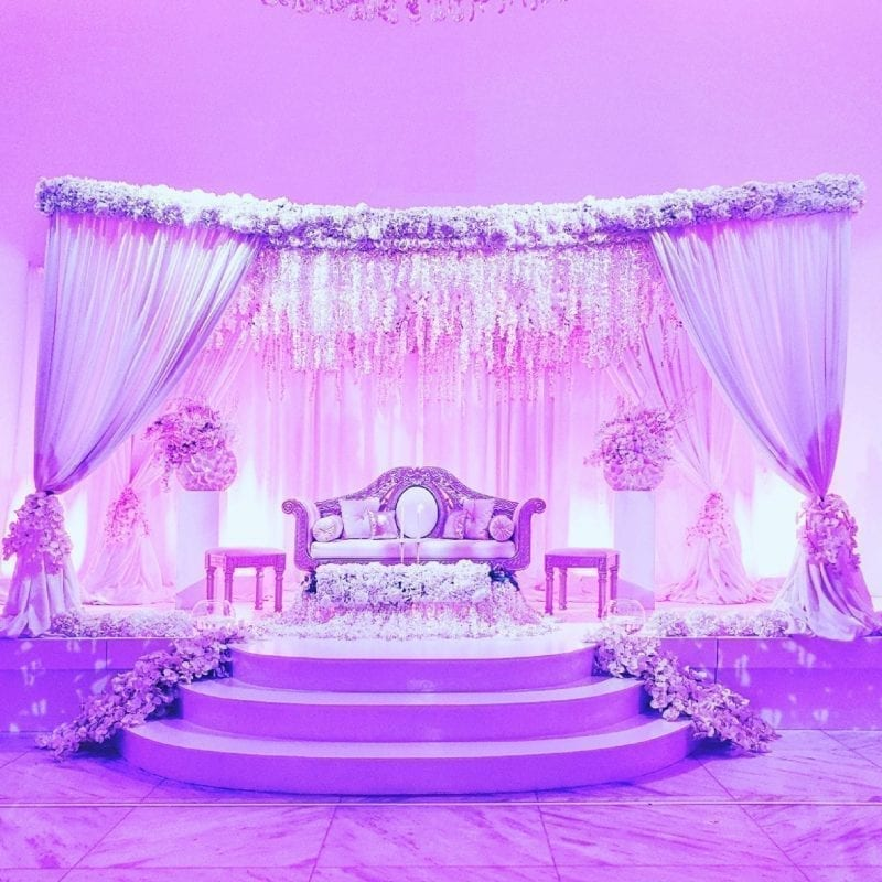 Bruiloft decoratie Bride stage Qatara stage
